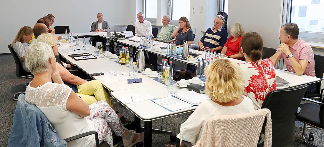 Mitgliederversammlung bei Menschen in Not eV